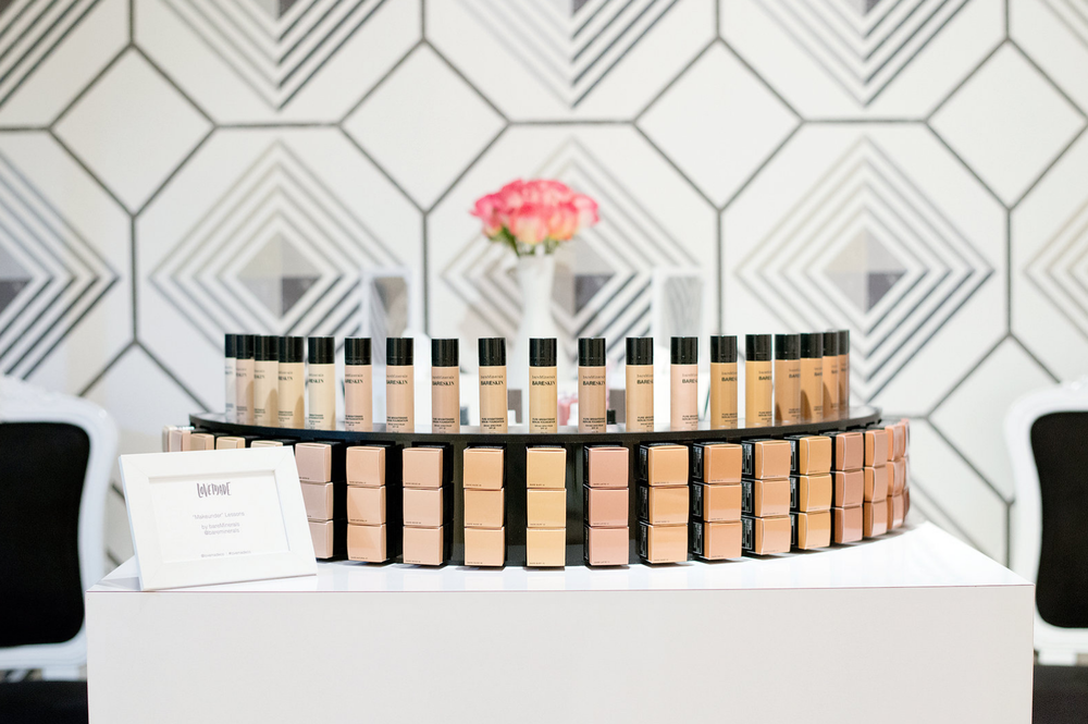 A beautiful bareMinerals make up station where our mamas were treated to mini-makeunders before their bump photos. Image c/o Modern Kids.